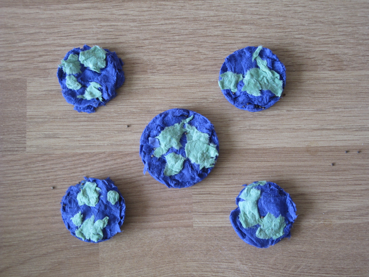 Earth Day – Seed Paper Earths