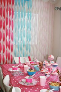 twisted crepe paper streamer wall background