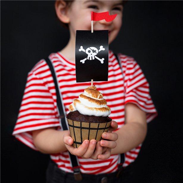 pirate flag cupcakes